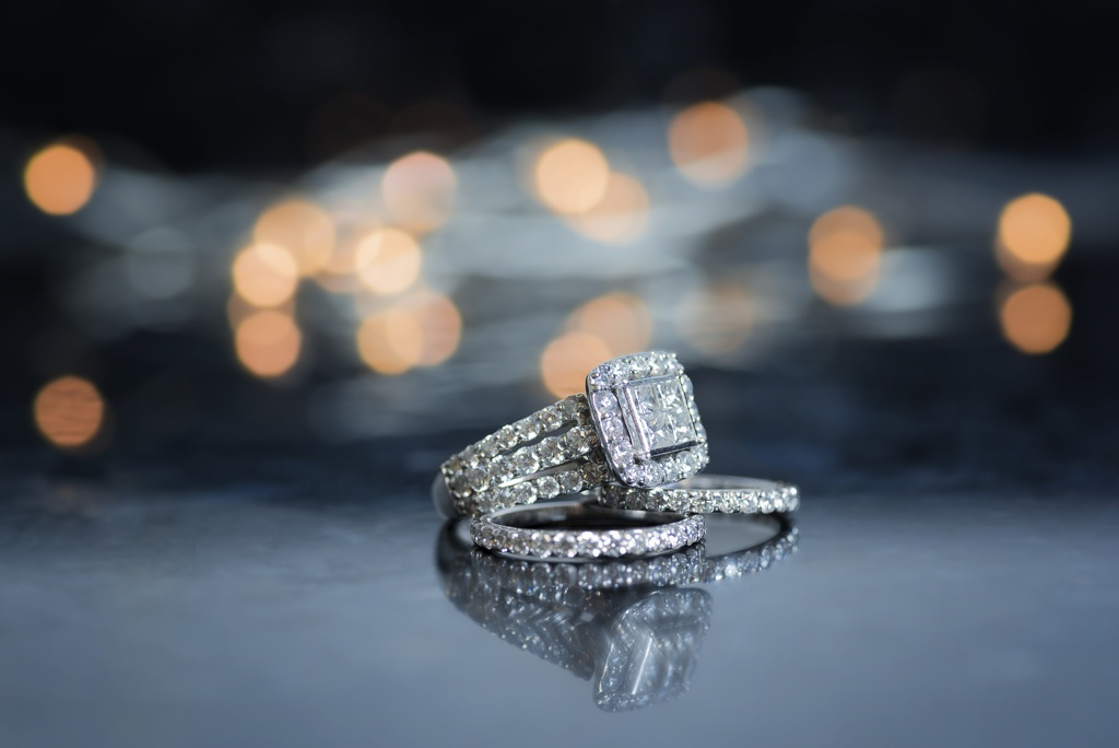 Sell My Engagement Ring - Chicago Diamond Buyer