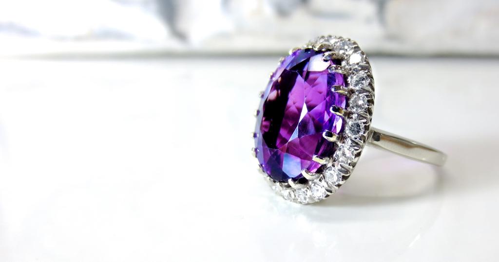 Estate Jewelry Buyers - Chicago Diamond Buyer